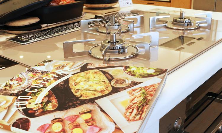 レシピ本「100 CUISINE ~デリシアとココット・ダッチオーブンでつくる100のごちそう~」